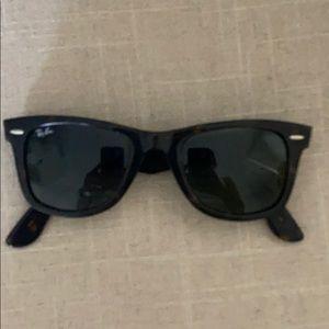 Tortoise Ray Ban Wayfarer Sunglasses